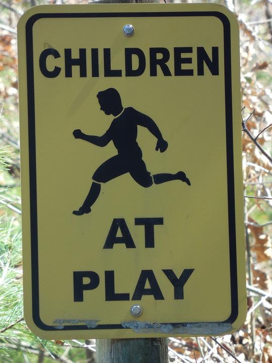 Swing set safety tip sign